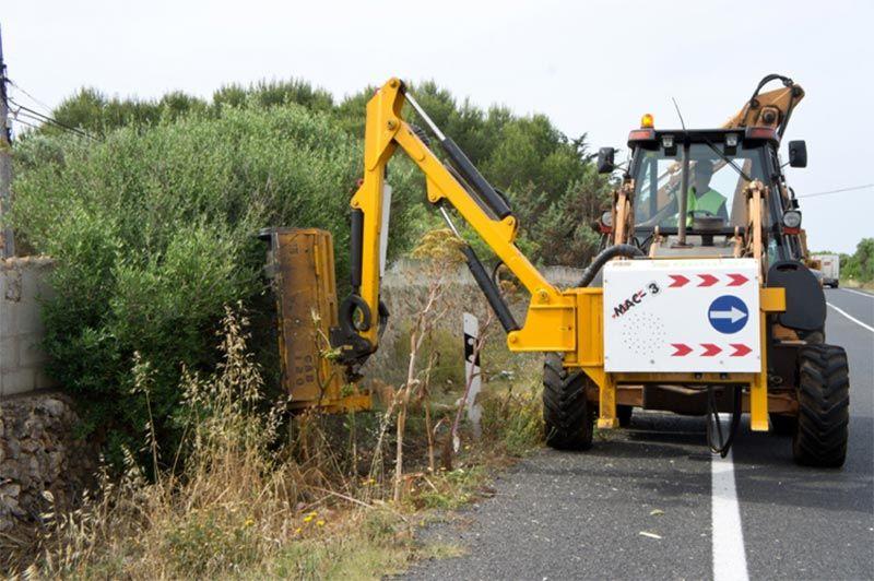 Cabezal acoplable para limpieza de carreteras