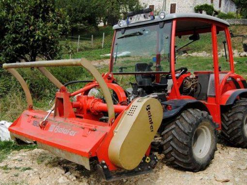 trituradora TR Basic Avant con tractor carraro